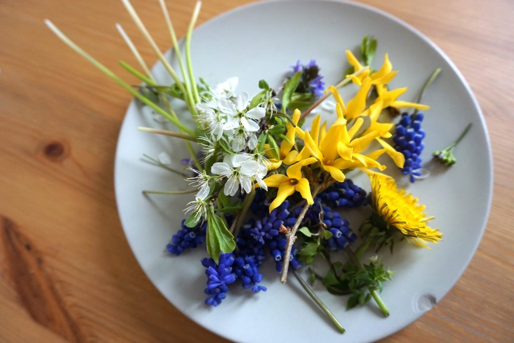 DSC01565 1 1024x683 - Blütenanhänger aus Salzteig DIY