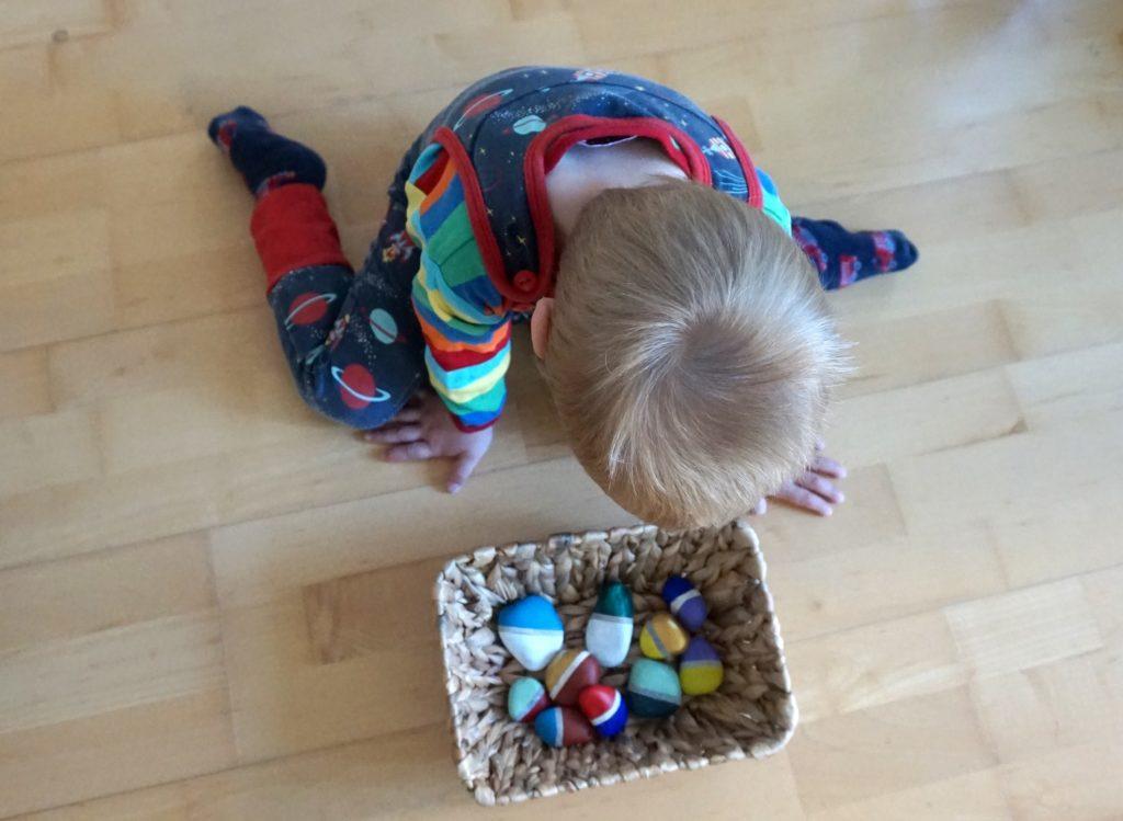 DSC02305 1024x749 - Basteln und Spielen mit Naturmaterialien - ein Domino aus Steinen