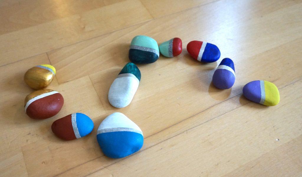 DSC02338 1024x600 - Basteln und Spielen mit Naturmaterialien - ein Domino aus Steinen