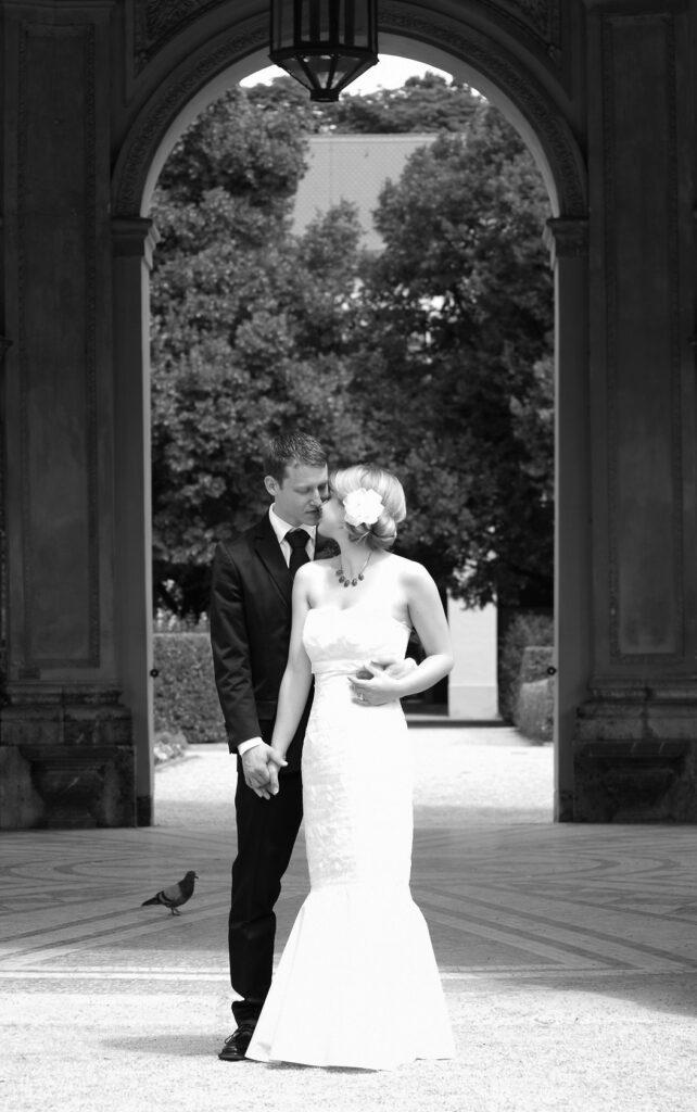 Hochzeitsbild klein 642x1024 - 36 Fragen zum verlieben